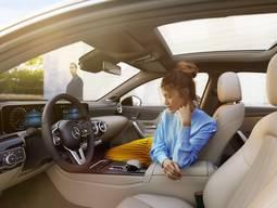 Ansicht des Fahrersitzes der Mercedes Benz A Klasse Limousine