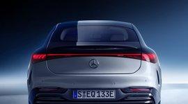 Rückansicht des Mercedes-Benz EQS