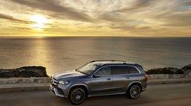 Mercedes-Benz GLS - Fahrt im Sonnenuntergang